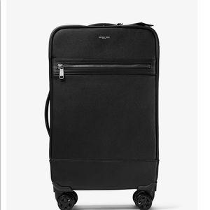 Michael Kors Teavel Bag